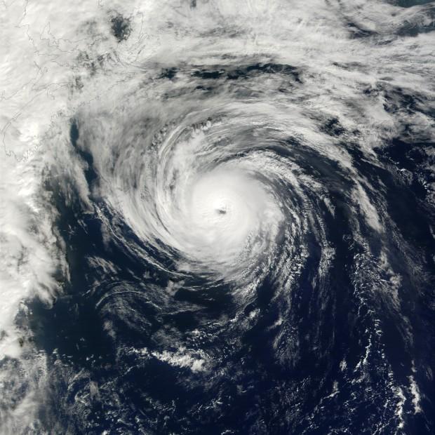 Hurricane_humberto_2001